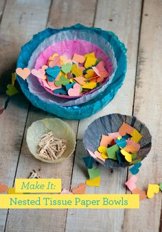 Seriously obsessed with this Easy DIY: Make Tissue Paper Bowls from Design Mom. Seriously, I think I could do this craft. Kids Crafts, Crafts For Kids To Make, Diy Paper, Tissue Paper, Paper Crafts, Papel Tissue, Diy Party Table Decorations, Diy Table, Paper Decorations