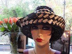 STUNNING VINTAGE 1960 s FUNKY USA MADE  UPTURNED BRIM MONOCHROME HAT