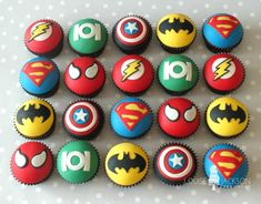 more superhero cupcakes - missing wonderwoman Marvel Cupcakes, Avenger Cupcakes, Marvel Cake, Avenger Cake, Wonderwoman Cupcakes, Superman Cupcakes, Avengers Birthday, Superhero Birthday Party, Boy Birthday