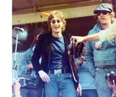 """fortheloveofharrynilsson-blog: """"John Lennon & Harry Nilsson """""""