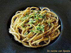 Spaghetti al pesto di pomodori secchi e zucchine