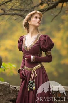 """Costume """"Princess in Exile"""" :: by medieval store ArmStreet Medieval Costume, Medieval Dress, Medieval Fashion, Medieval Clothing, Historical Clothing, Princess Costumes, Teen Costumes, Woman Costumes, Pirate Costumes"""
