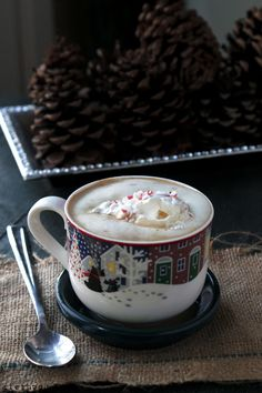Peppermint White Chocolate Mocha Latte by diethood #Coffee #Latte #White_Chocolate #Peppermint #Mocha