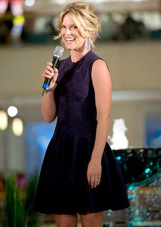 5be13c993e0c Ali Larter  The Heroes actress hosted a fashion show