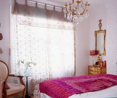 the bedspread, the mirror, the chandelier and the curtains, oh my.