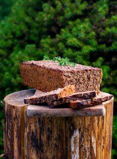 Kváskový chléb z žitné mouky. Jednoduchý recept bez hnětení