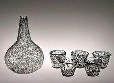 KAJ FRANK - Glass carafe and glasses for Nuutajärvi Notsjö, Finland. Glass Design, Design Art, Tom Of Finland, Lassi, Carafe, Modern Contemporary, Decorative Bowls, Retro Vintage, Mid Century