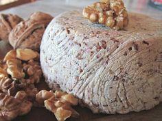 Formaggio vegan alle noci con semi di girasole e di lino   CucinareSuperFacile Semi, Butter Recipe, Vegan Cheese, Yogurt, Latte, Vegan Recipes, Recipies, Good Food, Bread