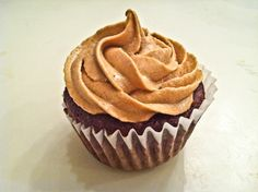 low calorie reeses cupcakes!