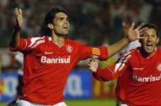 o futebol perdeu hoje um grande ídolo - Fernandão o eterno F9 do Sport Club Internacional de PORTO ALEGRE - 07junho2014