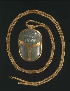 The back of a pendant dating from Tuthmosis III/Menkheperre. Gold and Nephrite. Click through to see what the front is.... surprise!