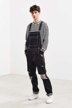 Streetwear Mode, Streetwear Fashion, Neue Outfits, Grunge Outfits, Denim Overalls, Jeans, Overalls Outfit, Denim Outfit, Mens Clothing Sale