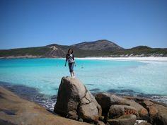 Solo woman traveller Aki, from Japan, in Esperance, Western Australia