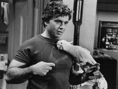 Robert_Blake_Baretta_and_Fred_1976.JPG (736×557)