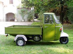 Ape from Piaggio.my grandfather had one just like this in the same colour too! Piaggio Ape, Vespa Ape, Vespa Lambretta, Mini Trucks, Daihatsu, Hot Bikes, Car Wheels, Small Cars, Vintage Posters
