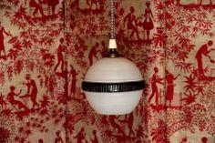 VINTAGE lustre suspension ancien luminaire opaline forme ampoule