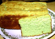 Low Carb Pistachio Pound Cake Pistachio Bread, Pistachio Muffins, Pistachio Dessert, Pistachio Recipes, Keto Friendly Desserts, Low Carb Desserts, Sweet Desserts, Diabetic Recipes, Low Carb Recipes