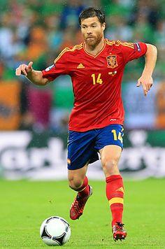 Xabi Alonso my second idol Football Icon, Football Is Life, World Football, Football Soccer, Fc Barcelona, Xavi Alonso, Most Popular Sports, Latest Sports News, Football Players
