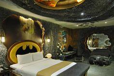 Im taiwanischen Eden Motel gibt es ein Zimmer im Look des Fledermaus-Helden, das man stundenweise mieten kann. Weitere Impressionen folgen nach dem Klick ..
