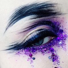 With each application, she produces a breathtaking impression of movement, infusing energy into her creation... Read more: http://blog.furlesscosmetics.com/ida-elina/