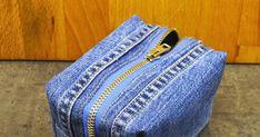 Kaava ja ohjeet toilettipussiin kierrätysmateriaalista. Backpack Pattern, Diy And Crafts, Cool Stuff, Denim, Sewing, Jeans, Fashion, How To Make Bags, Bags