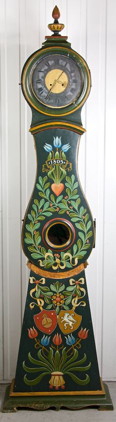 Love the lines of this hand painted Swedish clock ~ maybe lighter colors or all creamy white ~