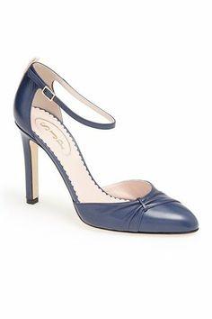 jessica sarah parker shoes | Look at Sarah Jessica Parkers SJP Shoe Collection