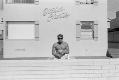 Southern California, 1985. ©Henry Wessel.