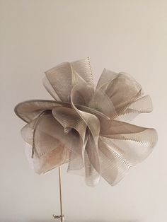 The Havilland dish hat includes a sinamay dish base with a froth of crinoline above and below the dish to the back, on a hair colour matched head band. Philip Treacy Hats, Ascot Hats, Fancy Hats, Love Hat, Dress Hats, Color Swatches, Hair Ornaments, Fascinator, Hair Color