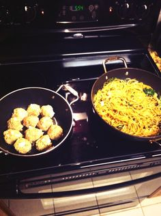 Spinach pasta with turkey meatballs tonight for dinner! Dolce diet approved of course ;)