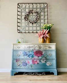 How to create Floral Furniture This is a great way to add florals to your furniture! Decoupage Furniture, Floral Furniture, Creative Furniture, Colorful Furniture, Decor, Diy Furniture, Hand Painted Furniture, Painted Furniture, Funky Painted Furniture