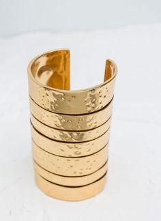 Bracelete de ouro, Üterque  Bracelete de ouro, Üterque  Créditos: Üterque