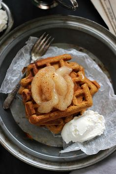 GINGERBREAD WAFFLES WITH APPLE PIE FILLING AND BOURBON BROWN SUGAR WHIPPED CREAM