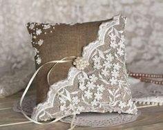 Burlap Wedding Ring Bearer Pillow, Rustic Ring Pillow, Burlap and Lace Ring Pillow, Rustic Wedding D Wedding Ring Cushion, Wedding Pillows, Cushion Ring, Cushion Cut, Needlepoint Pillows, Burlap Pillows, Ring Bearer Gifts, Ring Bearer Pillows, Lace Ring