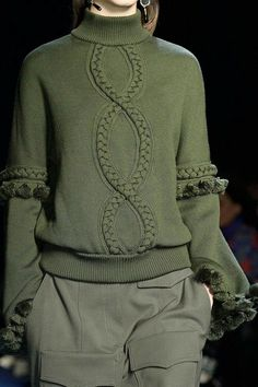 Andrew Gn at Paris Fashion Week Fall 2016 Andrew Gn auf der Paris Fashion Week im Herbst 2016 – Livingly Fashion Week Paris, Winter Fashion, Knitwear Fashion, Knit Fashion, Fashion Fashion, Fashion Outfits, Fashion Moda, Womens Fashion, Trendy Fashion