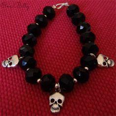Black Betty Skull Bracelet #bracelet #skull #black #beads #handmade #onebetty #madeit #onlineshop