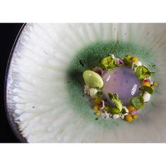 #mulpix Most beautiful dessert of my life: Violet  Raindrop Cake, blanched asparagus leaf, white chocolate cremeux,  white chocolate sand, passionfruit fluid gel, microgreens  Pastrychef: Zsuzsanna Szabó @zsu_fromthepastry  Plate: Nema Studio  Photography: Zoltán Karádi  @lazy_artichoke   #beautifulcuisines  #EatFamous  #chefsofinstagram  #feedfeed  #foodphotography  #foodie  #foodlover  #foodphoto  #foodporn  #foodstyle  #foodstagram  #instafood  #igfood  #instasweet  #gastronomy…