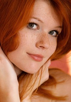 photos of stunningly beautiful women. mostly redheads. each one more beautiful than the others. freckles and braces - extra hot 🔥 💓 I want them all 💓 Beautiful Red Hair, Gorgeous Redhead, Beautiful Eyes, Beautiful Things, Beautiful Women, Red Hair Freckles, Redheads Freckles, I Love Redheads, Hottest Redheads