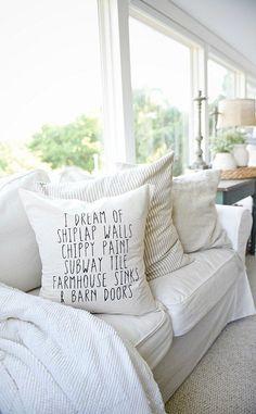 Farmhouse sunroom - farmhouse pillows. Great pin for neutral cozy cottage style farmhouse decor.