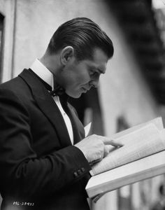 Clark Gable reading