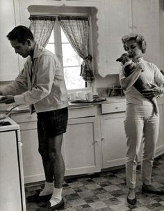 Paul Newman just makin' some food