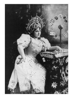 Vintage Tarot Reader  #vintage #tarot #psychic