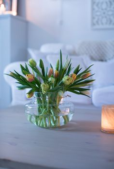 Nordic Interior, Spring Design, Flower Quotes, Simple Flowers, Flower Fashion, Home Decor Inspiration, House Plants, Flower Power, Tulips