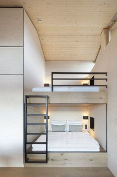 Alpine Chalets by Landau+Kindelbacher Architekten Innenarchitekten is part of - With the opening of the Alpine chalets, the hotel DAS TEGERNSEE has expanded its diverse range with a new format Bunk Bed Rooms, Modern Bunk Beds, Bunk Bed Designs, Modern Bedroom Design, Modern Design, Dream Rooms, Small Spaces, Small Rooms, Small Space Bedroom