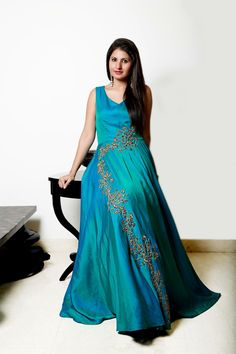 Best 12 Whatsapp on 9496803123 to customise handwork sarees dresses bridal sarees blouses lehenga gowns etc Gown Pattern, Dress Patterns, Designer Gowns, Indian Designer Wear, Western Dresses, Indian Dresses, Crop Dress, Saree Dress, Bollywood Fashion