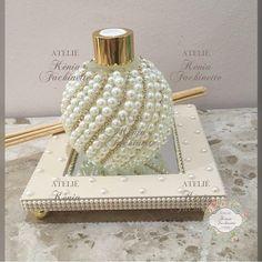 ✨Pérolas que encantam✨ Aromatizador e Bandejinha para decoração!! 😱💛😱 #decoração #instagood #present - ateliekeniafachinette