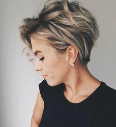 10 Messy Hairstyles for Short Hair - Quick Chic! Women Short Haircut 2019 Messy hairstyles for short hair are a great, easy-care option and a trendy fashion look, all rolled into one! In fact, short haircuts usually lead the fashion trends and the current Short Hairstyles For Women, Messy Hairstyles, Hairstyles 2018, Short Hair Cuts For Women Easy, Layered Haircuts Short Hair, Long Pixie Haircuts, Short Pixie Cuts, Short Wavy Pixie, Short Curly Hairstyles For Women
