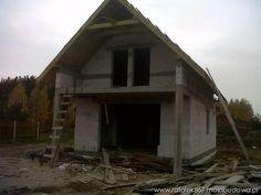 Budowa domu na podstawie projektu Chatka z MG Projekt.  #budowa #dom #dach