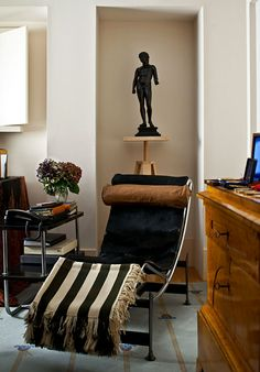Chaise lounge by 20th-century designer Le Corbusier graces a corner of the study in Michael Graves home.