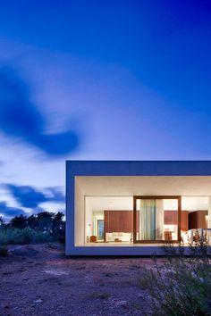Maison sur l'île Formentera / Marià Castelló Arquitecte   Location: Formentera, Spain.